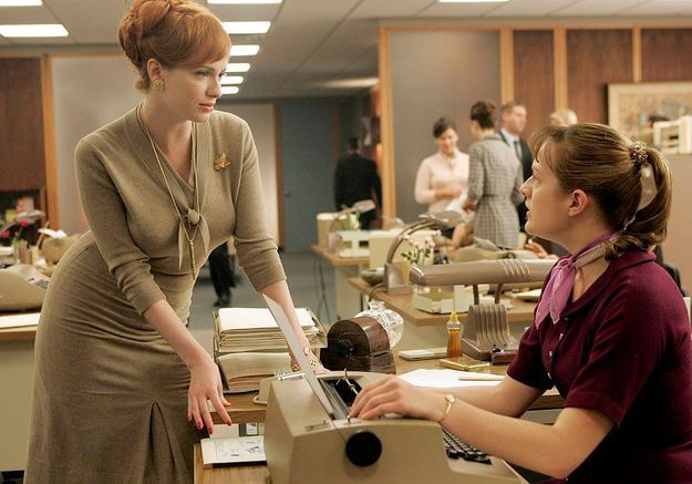 Quand Christina Hendricks parodie Mad Men pour la bonne cause