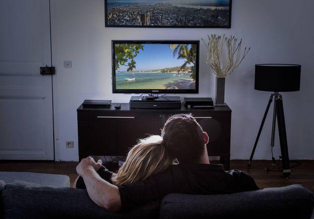 « Vu à la télé » sur M6 : pour ou contre l'émission qui regarde la télévision ?