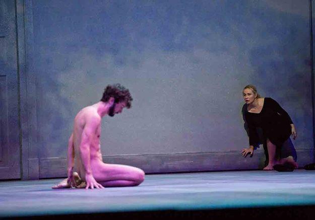 Théâtre : on va applaudir Emmanuelle Béart