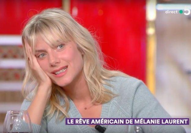 « C à Vous » : Mélanie Laurent se confie sur le climat : « J'ai l'impression qu'on est reparti en enfer »