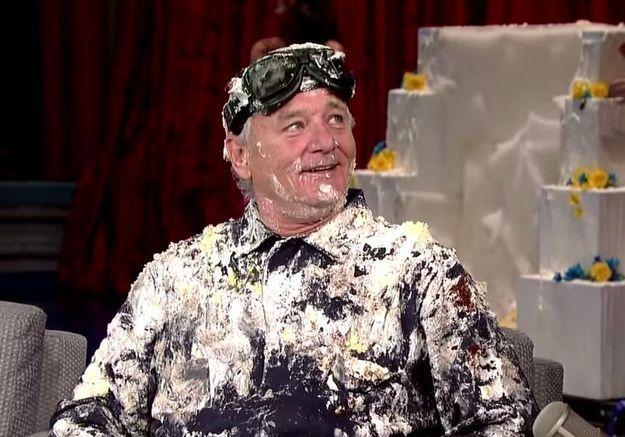 #PrêtàLiker : Bill Murray surgit d'un (vrai) gâteau pour David Letterman