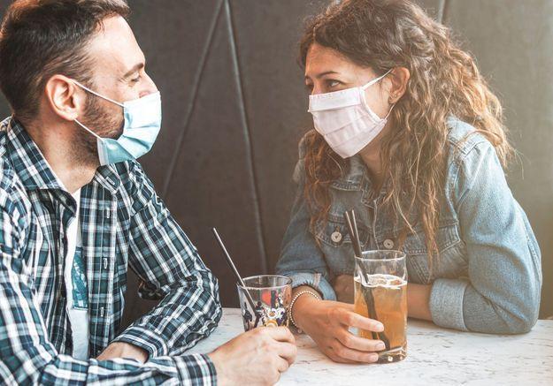 Dating & pandémie : le Covid est-il en train de tuer le flirt ?