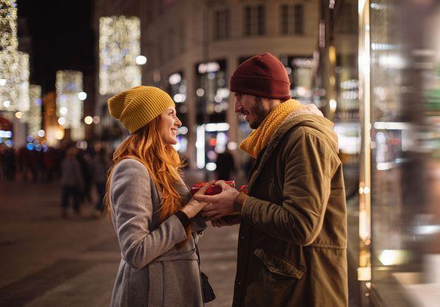Couple : le cadeau à offrir à Noël quand on se fréquente depuis peu