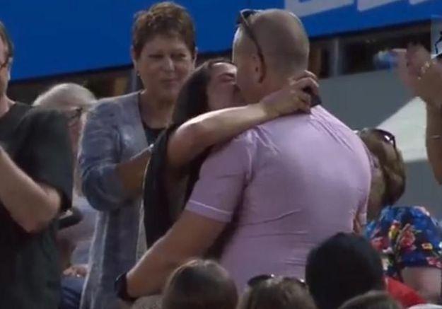Il demande sa femme en mariage en plein match de l'Open d'Australie