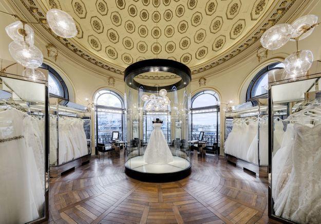 l 39 espace mariage du printemps haussmann le paradis des futures mari es elle. Black Bedroom Furniture Sets. Home Design Ideas