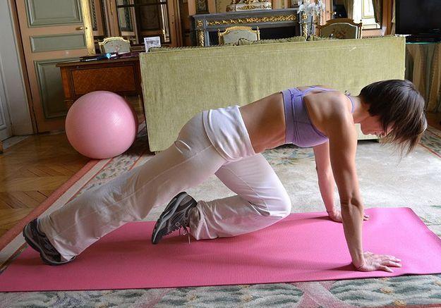 Minceur sport exercices coach julie ferrez ventre montee genoux 3