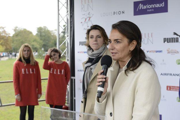 Constance Benqué et Françoise-Marie Santucci sur la scène de la ELLE Run Marionnaud
