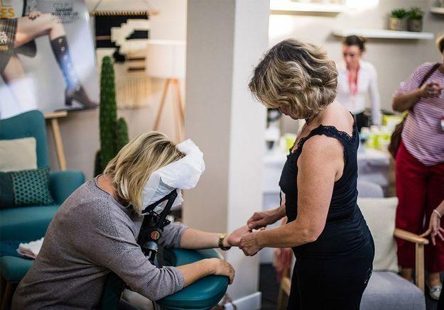 ELLE Girl TV organise un atelier massage pour se détendre avant la course