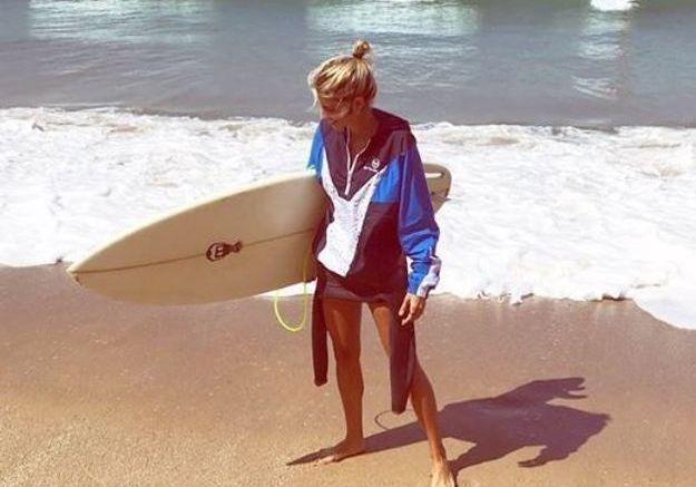 Alexandra Rosenfeld et sa planche de surf