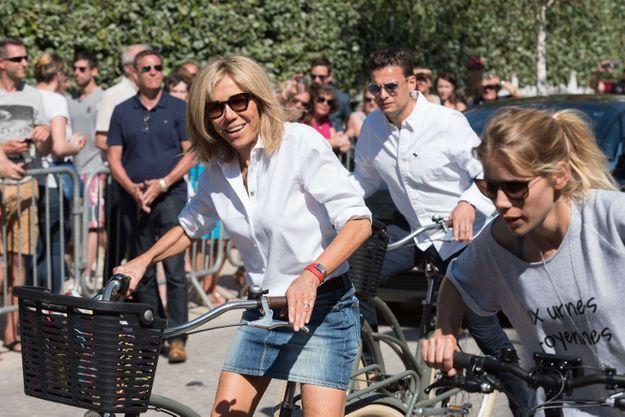 Brigitte Macron lors d'une virée au Touquet