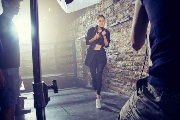 Gigi Hadid pour la campagne Perfect Never