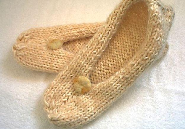 Accessoires en mailles chaussons en tricot