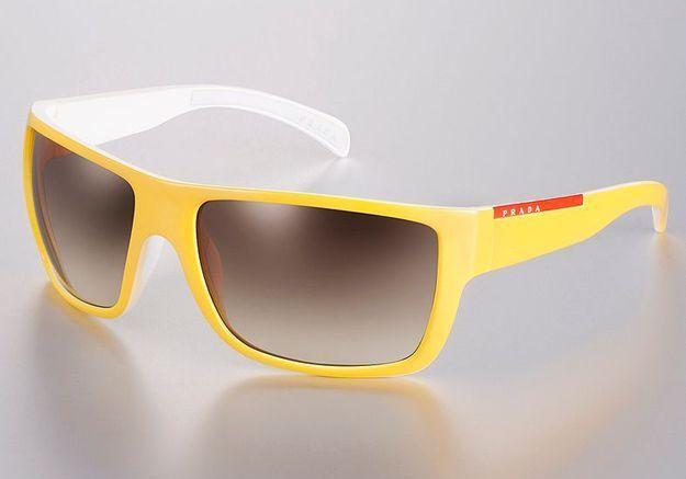Mode guide shopping tendance lunettes soleil prada