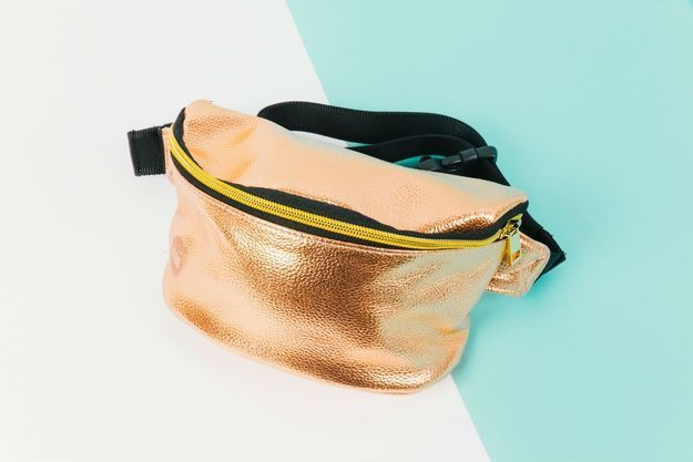 Le bum bag métallique de Mi-Pac