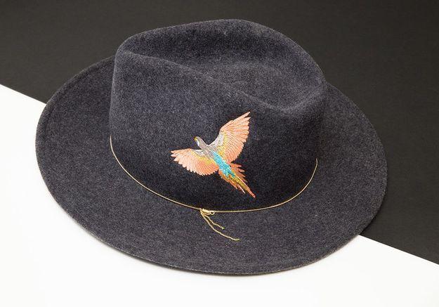 Le chapeau en feutrine brodé Van Palma