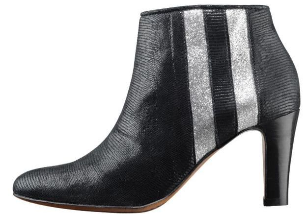 Bottines noires Eponyme