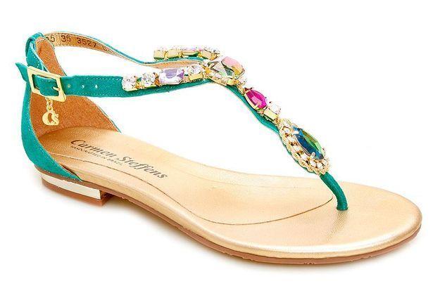 Mode guide shopping tendance accessoire chaussues sandales plates carmen steffens