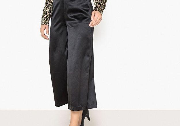 Un pantalon large noir