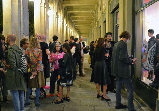La foule dans la Galerie de Valois