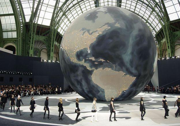 Les plus beaux décors des défilés Chanel en treize photos