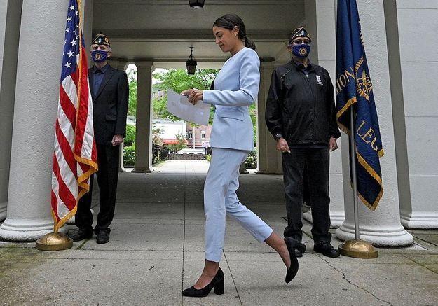 Faut-il continuer à commenter le style des femmes politiques ?