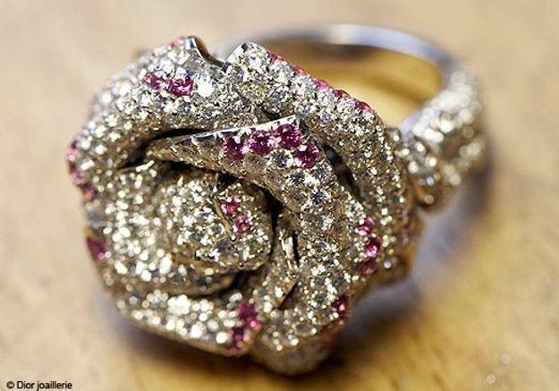 Histoire d'une bague : la Rose Dior Bagatelle