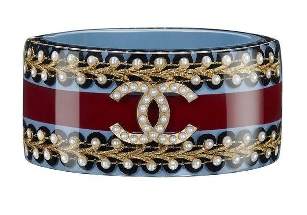 Bracelet en résine bleue et rouge Chanel Métiers d'art Paris-Salzbourg 2014/2015