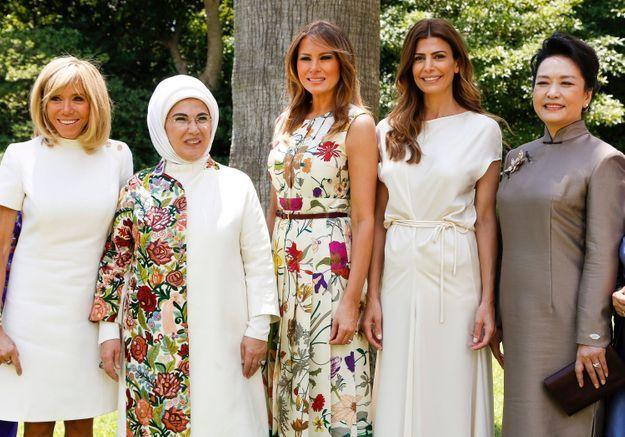 3dc49d59b86c ... Brigitte Macron et Melania Trump   duo de premières dames branchées en  Argentine