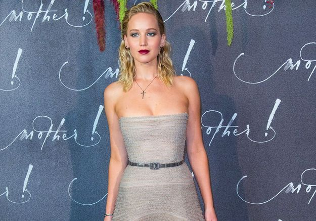 "Jennifer Lawrence : Nolwenn, Miss France et Doria Tillier à l'avant-première de son film ""Mother"""