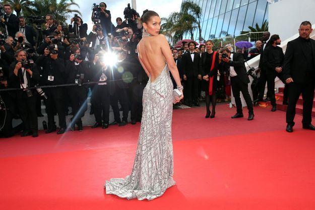 Bella Hadid en robe Elie Saab au Festival de Cannes 2018