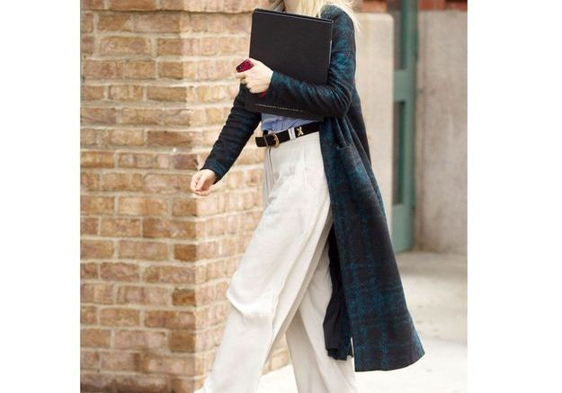 Le pantalon large de Suki Waterhouse