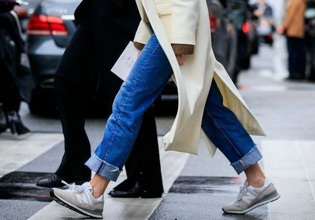 La sneaker peut-elle devenir le nouvel escarpin ?