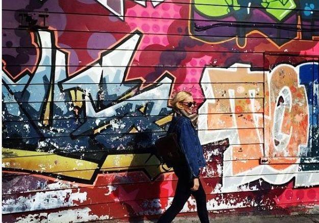 La veste en jean de Margot Robbie
