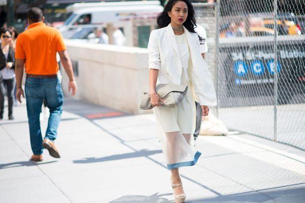 Un blazer blanc
