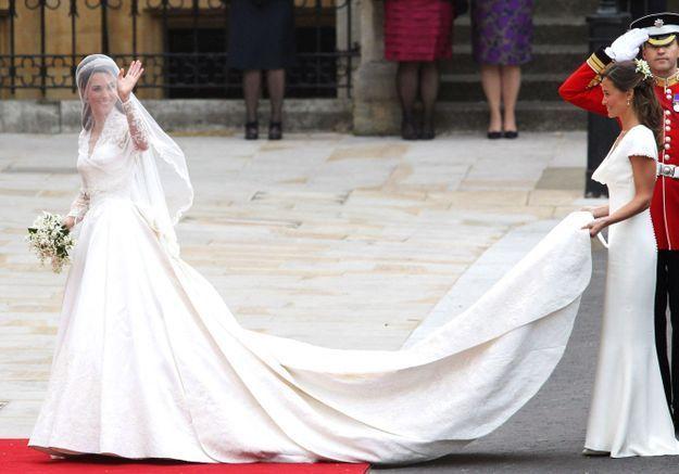 29 avril 2011 : Kate Middleton épouse le prince William vêtue d'une robe Alexander McQueen
