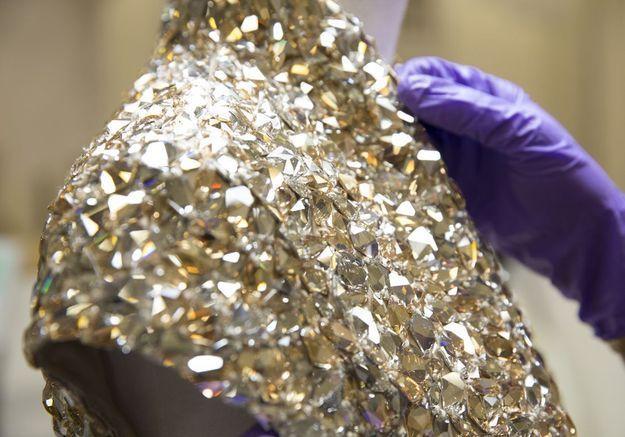 L'instant mode : les cristaux Swarovski à l'expo McQueen