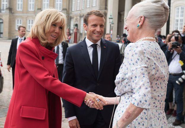 Brigitte Macron salue la reine Margrethe