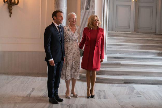 Emmanuel Macron, la Reine Margrethe II du Danemark et Brigitte Macron, à Copenhague