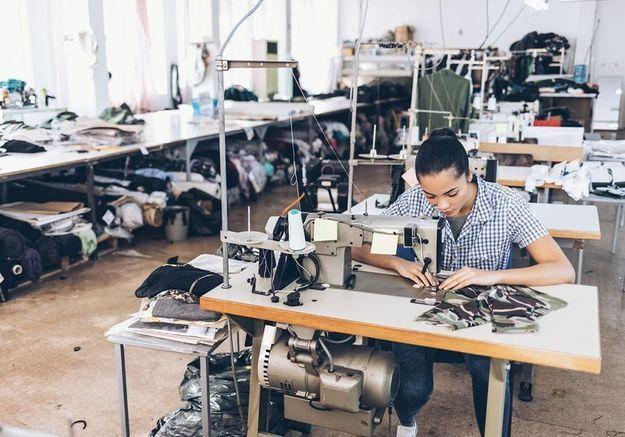 Coronavirus : De Chanel à Zara, la production textile mondiale à l'arrêt