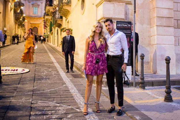 Valentina Ferragni et Luca Vezil arrivent au dîner de pré-mariage
