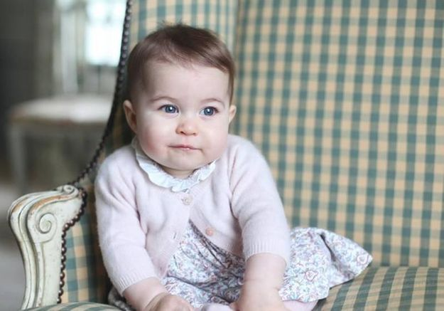 Pourquoi est-il impossible de se procurer la robe de la princesse Charlotte ?