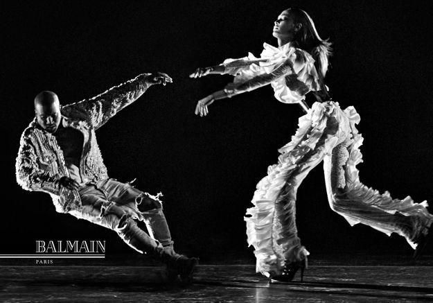 #PrêtàLiker : Kanye West prend la pose pour Balmain