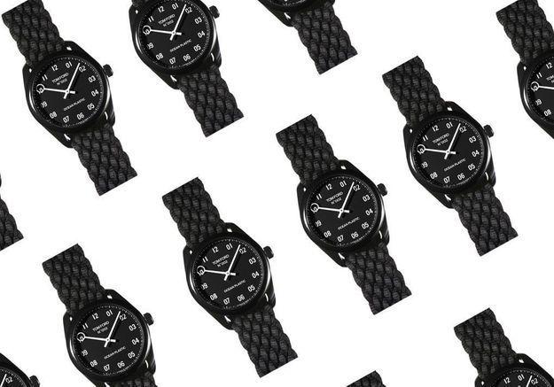 Tom Ford dévoile la première montre de luxe en plastique recyclé