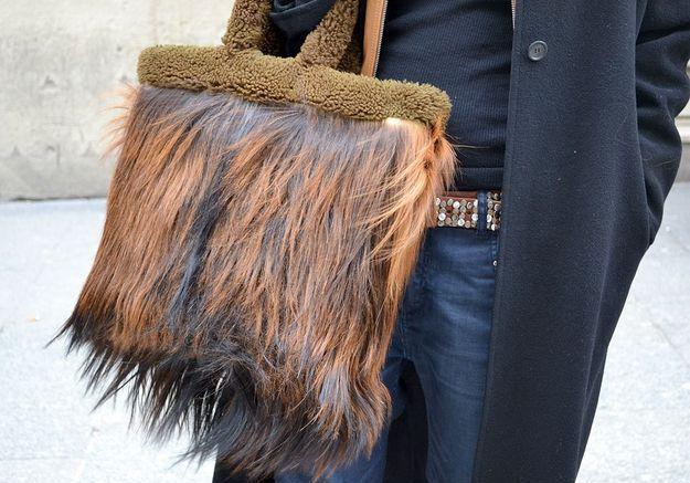 Street style : vos accessoires fétiches sac fourrure