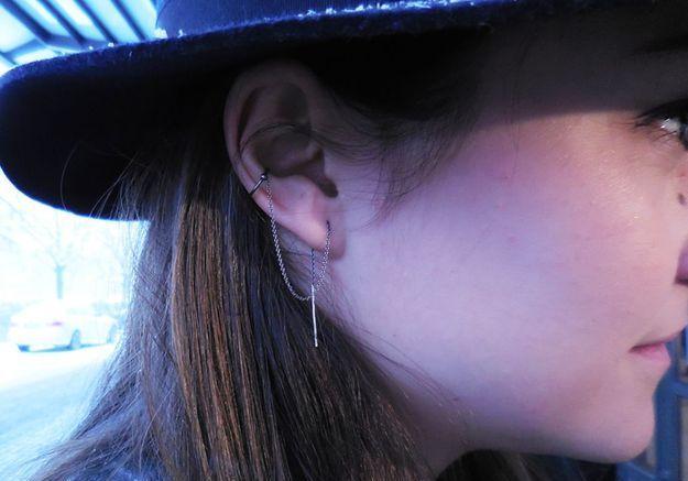 Son bijou d'oreille Line&Jo