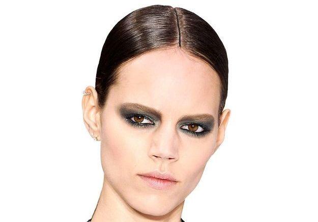 Comment faire un smoky-eyes : les conseils de Chanel