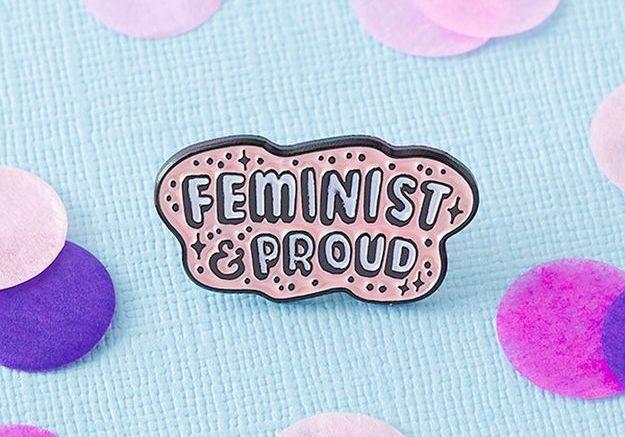 """Pin's émaillé """"Feminist and Proud"""""""