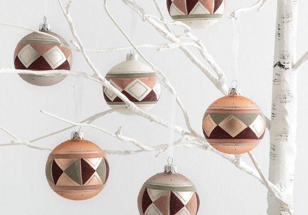 Boule de Noël en verre à motifs