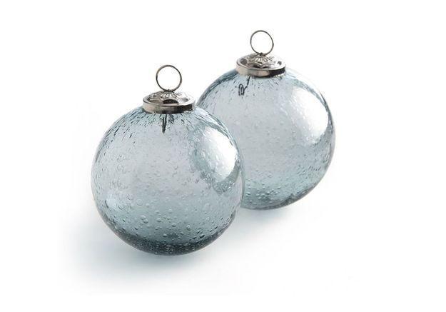 Boule de Noël en verre bleutée