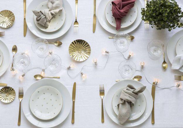 Une décoration de table de Noël précieuse